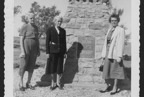 Visitors to the monument near the Geographic center of the United States in Lebanon, Kansas, 1953.